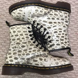 RARE Vintage dr martens-made in England, size 5